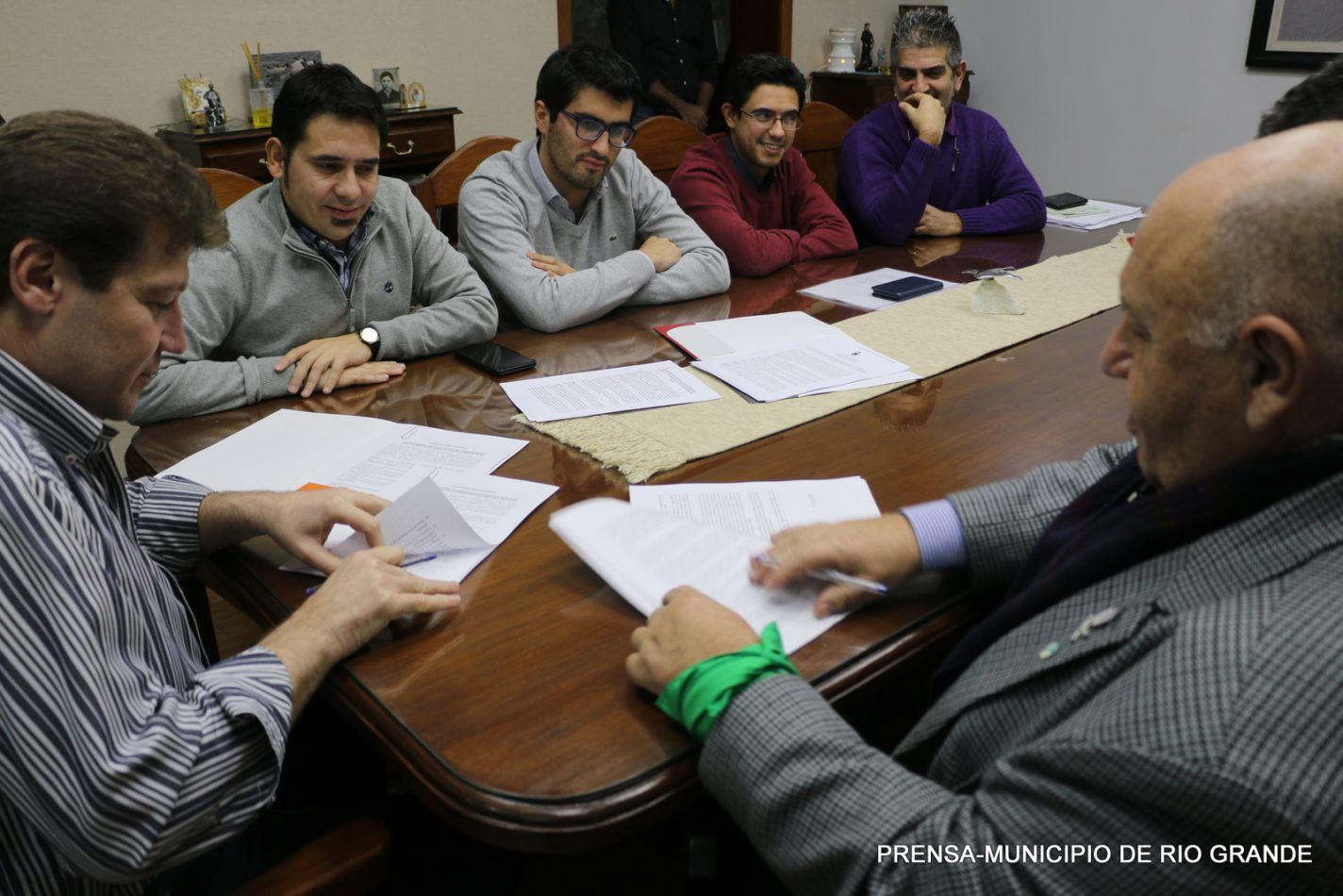 Profesionales de la Secretaría Municipal de Salud se capacitará en la UNTDF