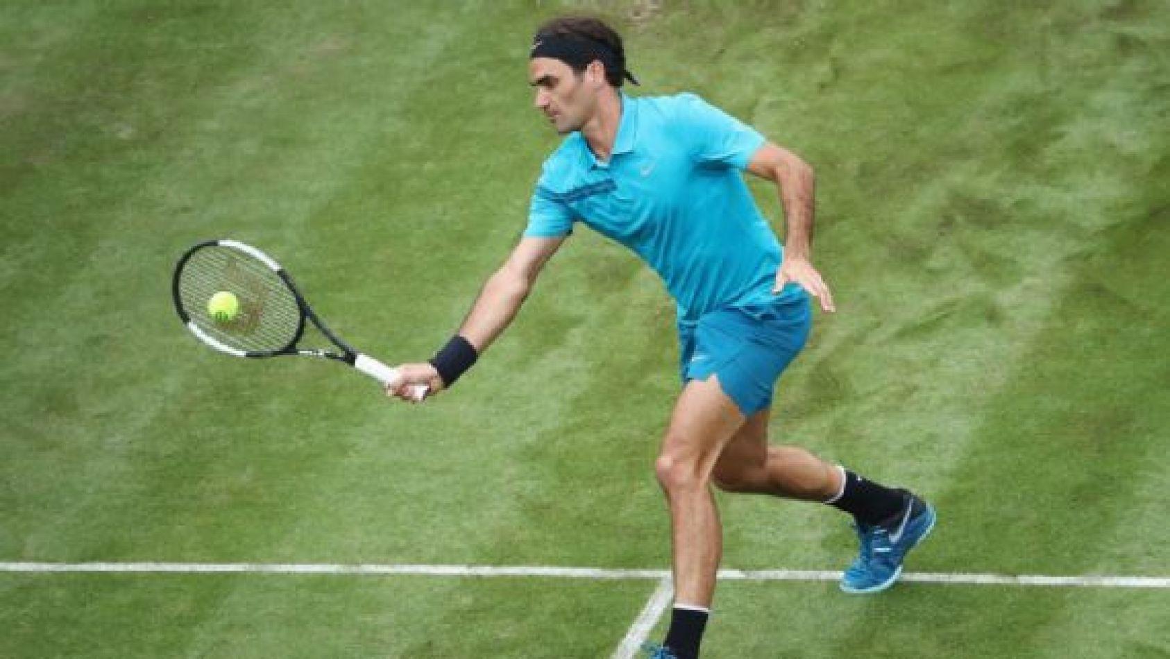 Federer enfrenta a Kyrgios en busca de recuperar el Nº1 del mundo.