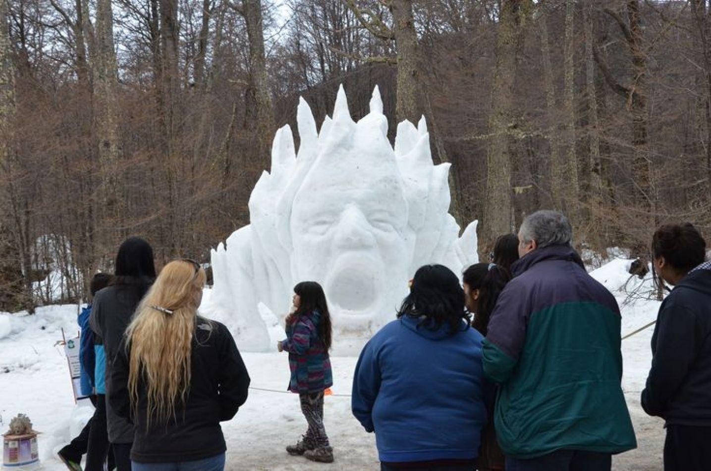 Volverán las esculturas de nieve al centro invernal.