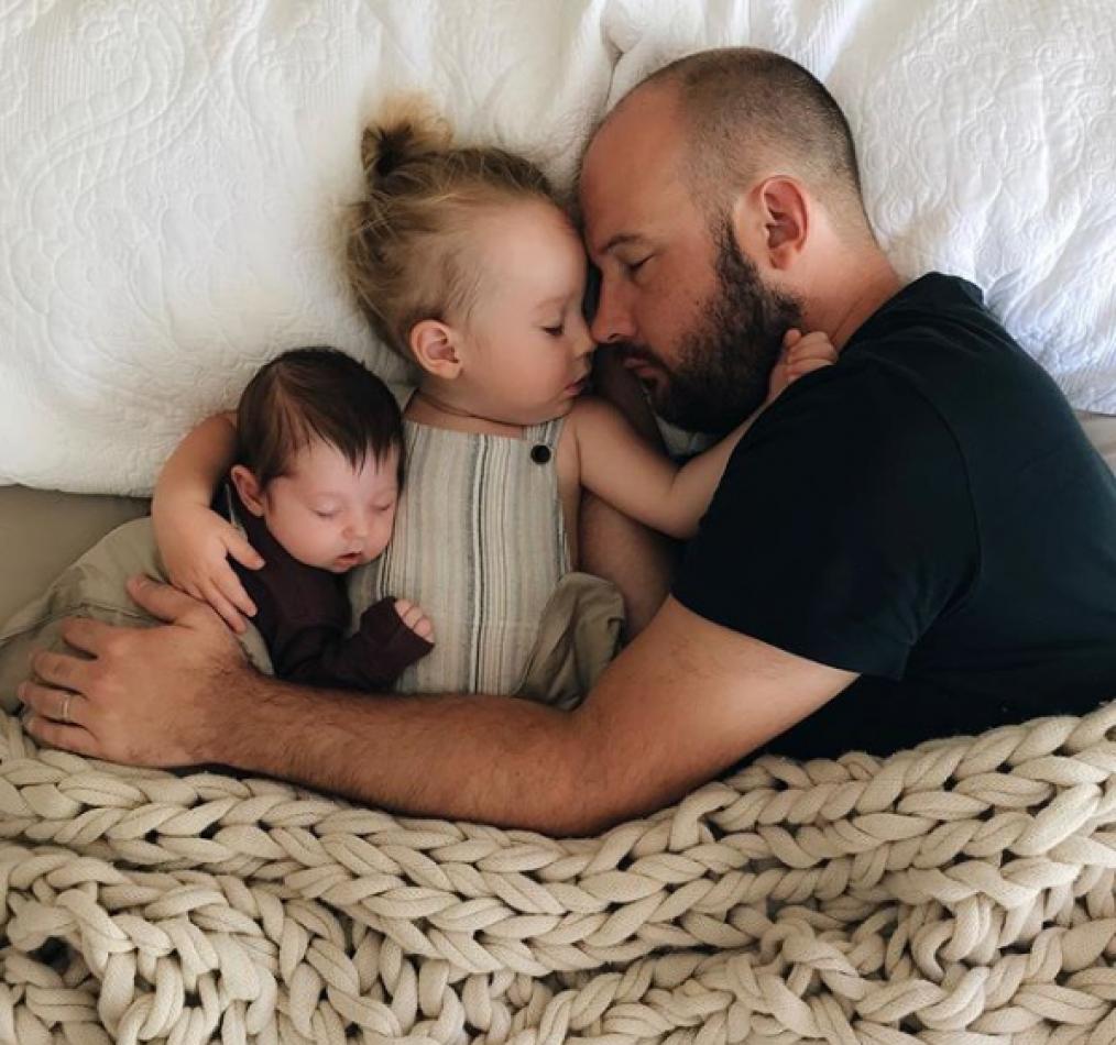 Dormir juntos crea lazos más seguros