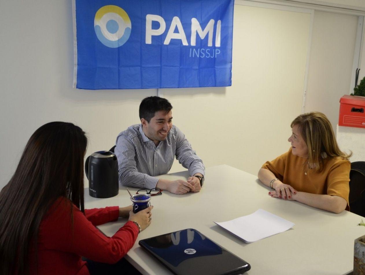 Boyadjian visitó la sede del PAMI en Río Grande